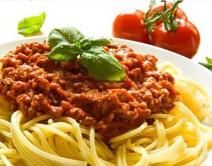 Risotto mit frischem Zucchini, Trüffelöl, Pinienkernen Parmesan und Rucola 8,90€